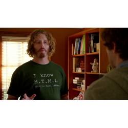 t-shirt H.T.M.L. indossata nella serie tv Silicon Valley